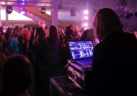 3 reasons why you will definitely want to hire a professional DJ
